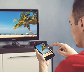 smartphone connecté à la tv