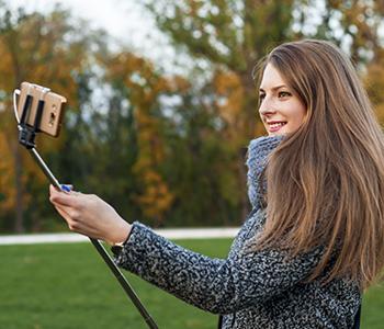 Optez pour la perche à selfie