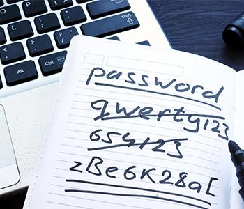 Trouvez deux à trois mots de passe complexes