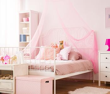 ciel de lit rose enfant