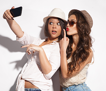 Filles selfie