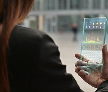 Le téléphone à écran transparent
