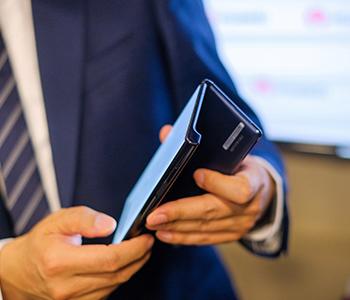 Présentation du smartphone pliable Huawei Mate X