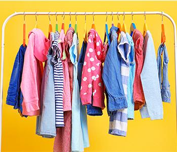 Privilégiez des vêtements dans des matières facilement lavables