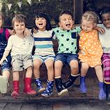 Enfants heureux vacances colonie