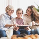 Facilotab aide les seniors à se servir des outils numériques