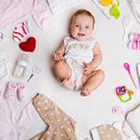 bébé avec accessoires